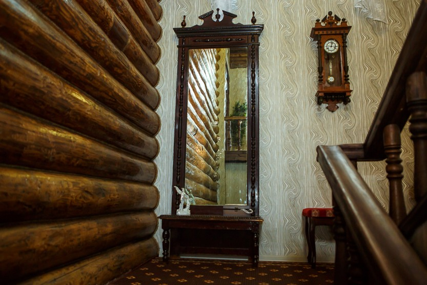 Деревянная стена гостиница Абажуръ, Томск